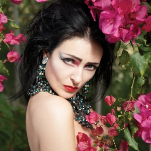 siouxsie-sioux-in-a-hong-kong-garden SMALL