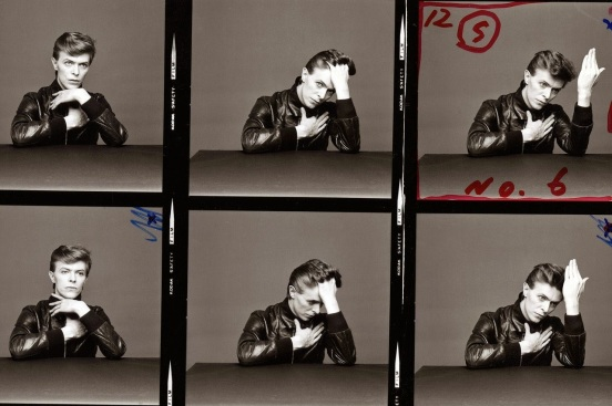 The_Outtakes_of_David_Bowie_s_Iconic_Heroes_Album_Cover_Shoot_1_