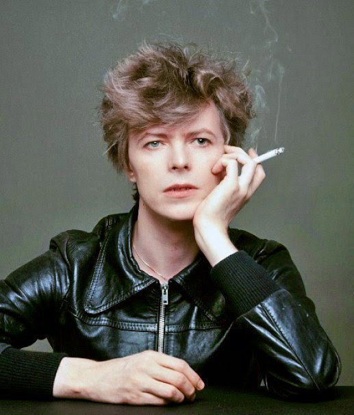 The_Outtakes_of_David_Bowie_s_Iconic_Heroes_Album_Cover_Shoot_7_